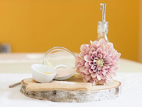 Olivenöl-Salz-Massage